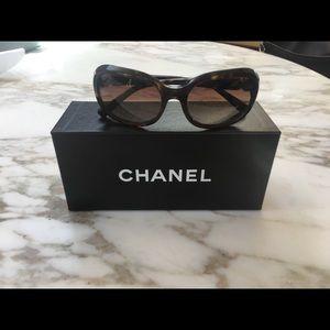 AUTHENTIC Chanel Sunglasses w/box